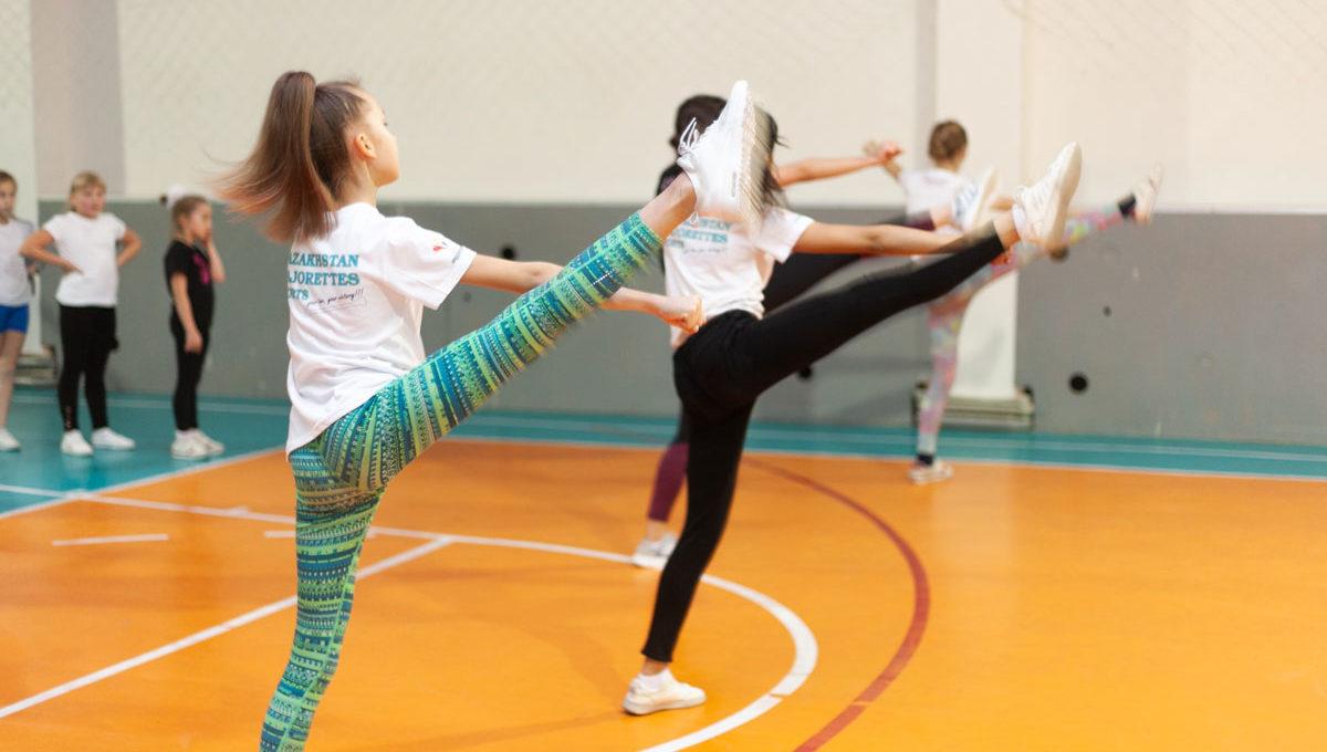 dscou_cheerleading_001