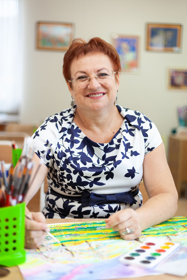 Киселева Галина Ивановна - Учитель по художественному творчеству
